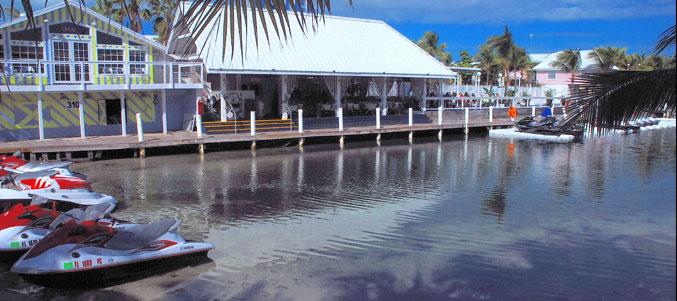 Ibis Bay deck and bar