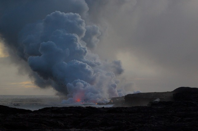 Lava flowing into the ocean at the Hawaii Vulcanoes National Park