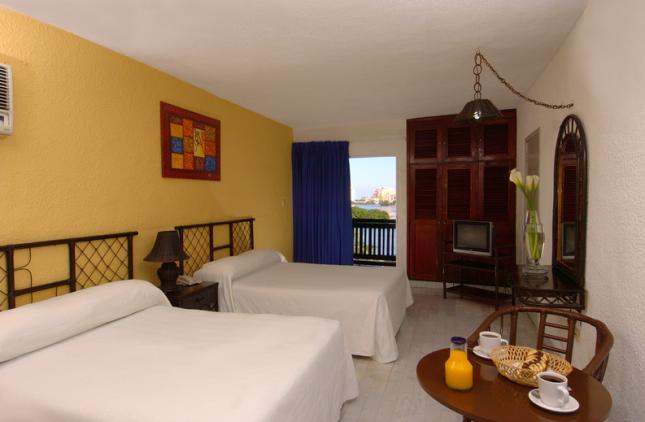 Room at Celuisma Imperial Laguna