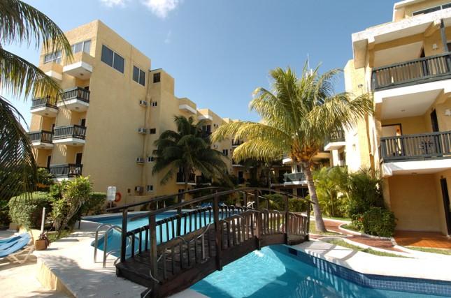 Caluisma Imperial Laguna hotel