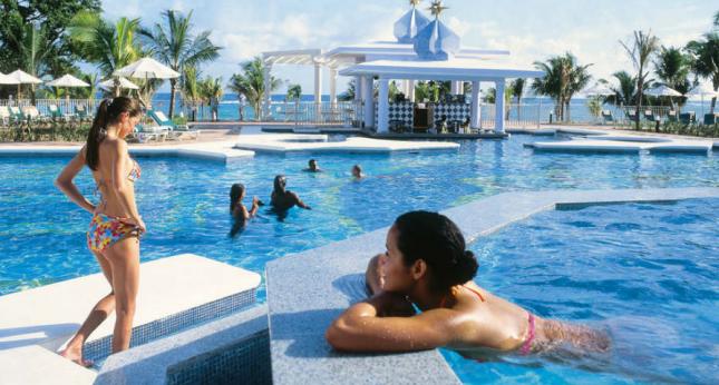 Riu Ocho Rios pool view