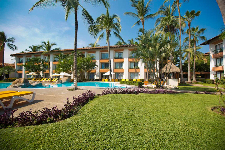Plaza pelicanos club beach resort in puerto vallarta for 55 - Hotel las gaunas en logrono ...