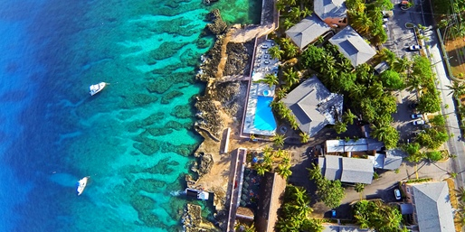 Sunset House on Grand Cayman from above