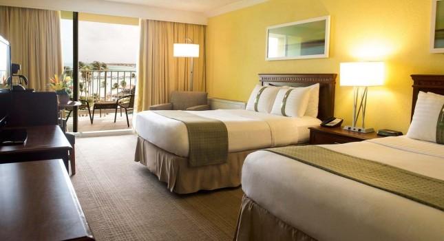 Room at Holiday Inn Resort Aruba
