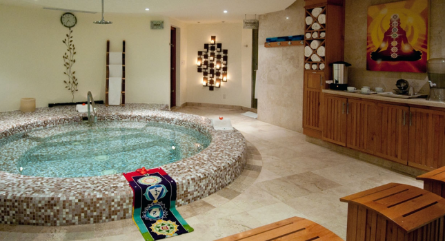 Jacuzzi at the spa of Cabo Villas