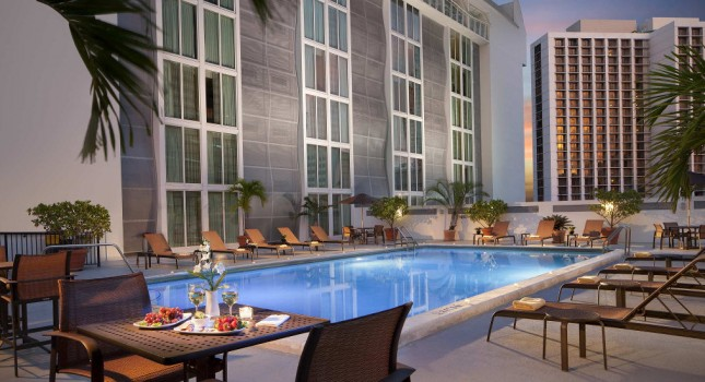 Pool at Courtyard by Marriott Miami