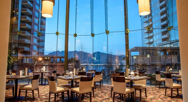 Restaurant at Pinnacle Hotel Harbourfront