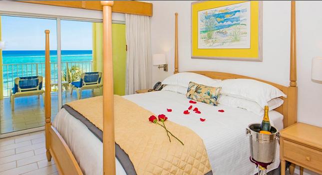 Deluxe Studio Suite at Wyndham Reef Resort